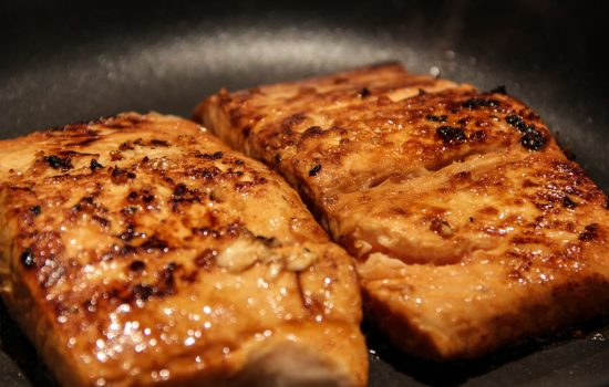 Sweet and Spicy Sriracha-Glazed Salmon