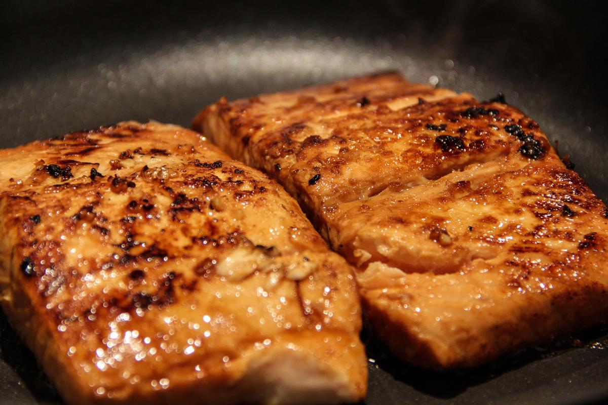 Sweet and Spicy Sriracha-Glazed Salmon